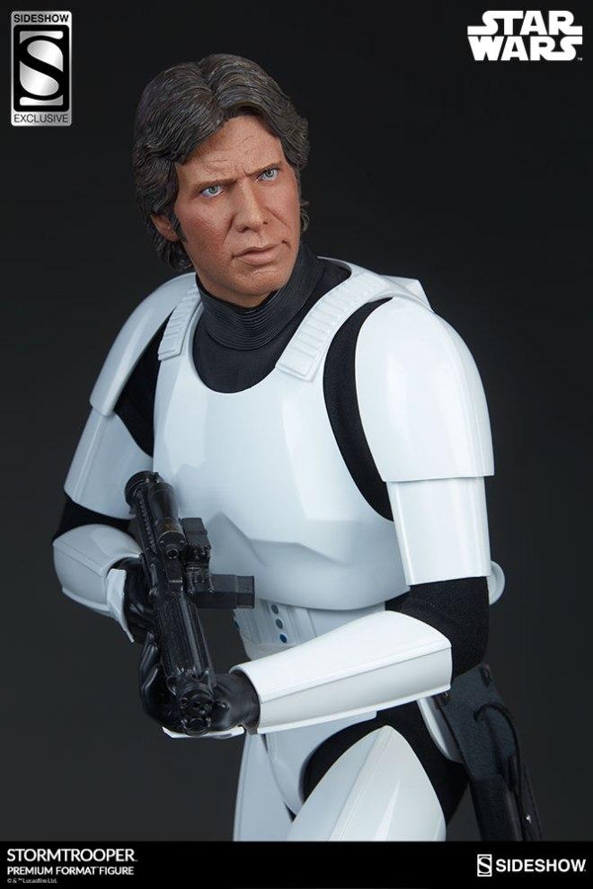 star-wars-stormtrooper-premium-format-figure-sideshow-3005261-02